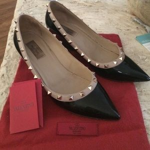 Valentino Rock Stud Black Patent Pumps. Size 40