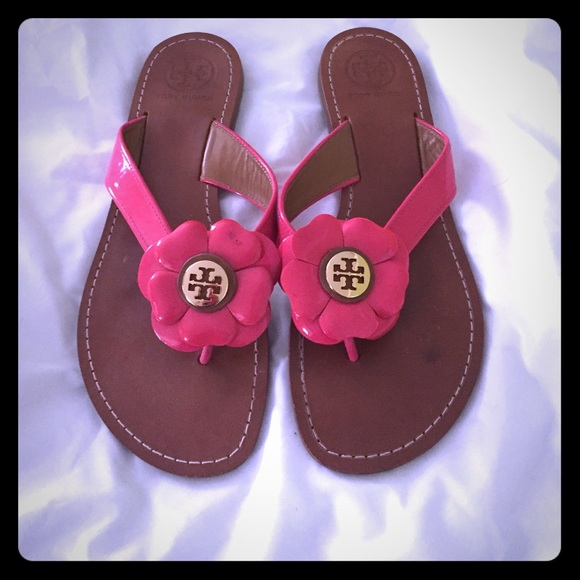 76ac526ef15238 Tory Burch flower sandals size 8.5. M 55e8a1554225be7aae0007a5