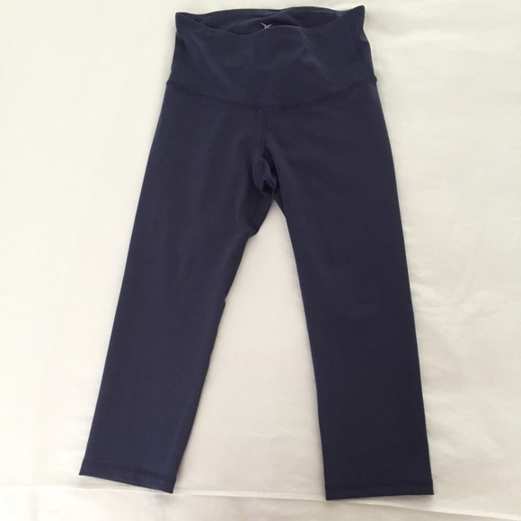 Old Navy Old Navy High Waisted Compression Workout Capri