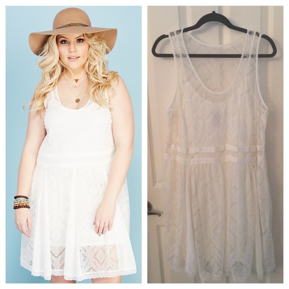 Plus Size Ivory Flowy Lace Dress NWT