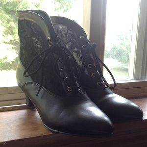 Man made lace paneled black ankle booties