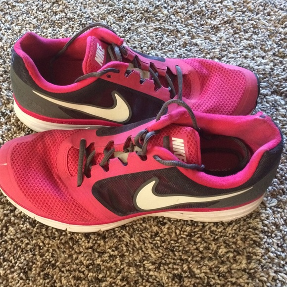 pink and grey nike tennis shoes black nike cortez