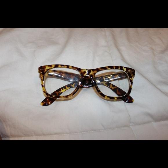 549bab3077b5 Urban Outfitters Cheetah Glasses Non Prescription.  M 55e8f7e36ba9e6d30100268f. Other Accessories ...