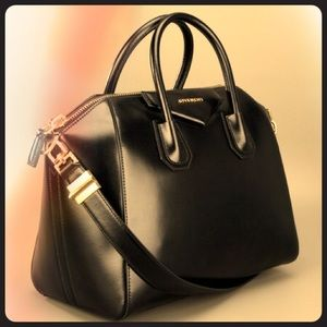 Givenchy Antigona - Medium - Shiny Black