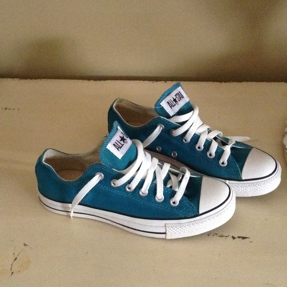 Teal Colored Tennis Shoes