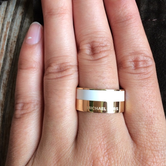 339fddd0527 NWT Michael Kors gold and white band ring