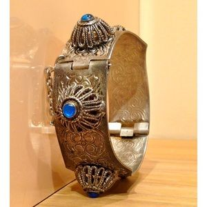 Vintage Jewelry - Beautiful Cuff Bracelet Vintage!