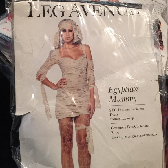 How to make a sexy mummy costume