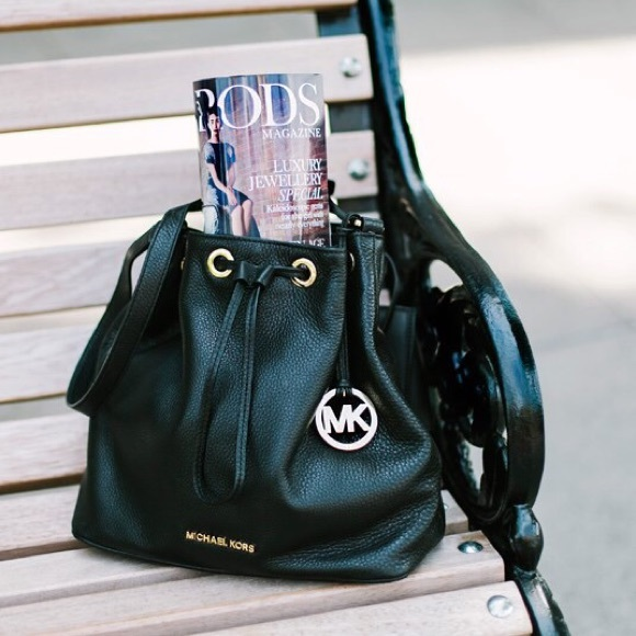 1e62a91b52fa86 Michael Kors Jules Mini Black Leather bucket bag😍.  M_55e9cff1713fde974e006046
