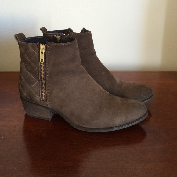 54% off Steve Madden Shoes - Steve Madden Brown Leather Quilted ... : quilted booties - Adamdwight.com