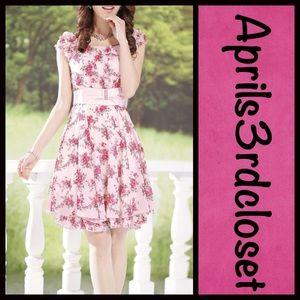 Boutique Dresses & Skirts - ❗️1-HOUR SALE❗️DRESS Floral A Line Embellished