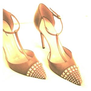 Gucci Studded  Pumps new out of box