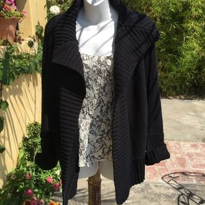Sweaters - Black sweater (for jennafaye)