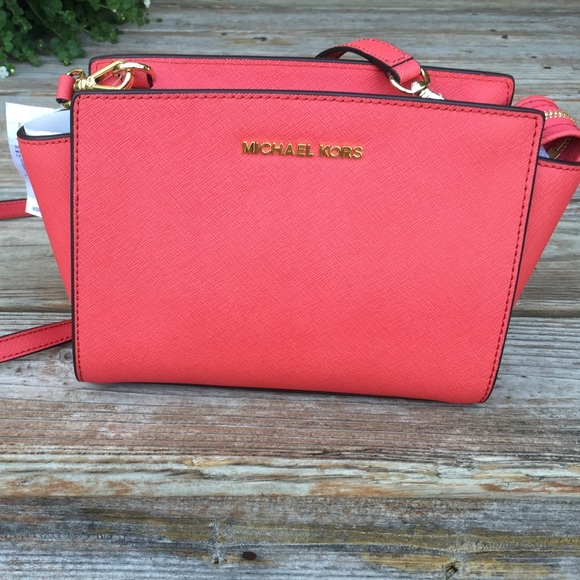 93d3b4d2f58f Michael Kors Bags | Nwt Selma Watermelon Cross Body | Poshmark