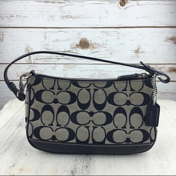 1b51180450c7 Coach Handbags - [Coach] Classic CC Logo Small Shoulder Bag Black