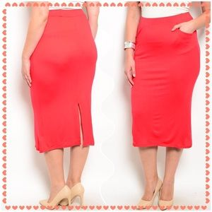 Boutique Dresses & Skirts - 🆕Red knee length skirt