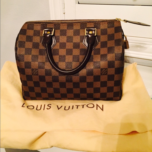 b04c22e66af2 Louis Vuitton Handbags - Authentic Louis Vuitton Speedy 25 Damier ebene