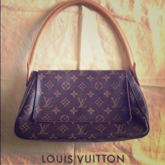 Louis Vuitton Bags   Lv Signature Bag Just Marked Down To Sell ... 177e75a34d