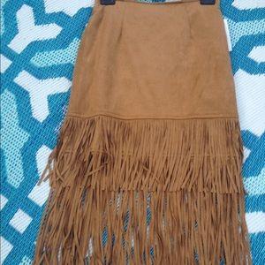 Dresses & Skirts - Cute fringe midi skirt