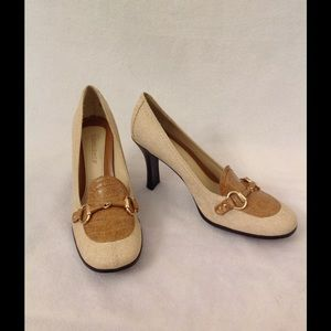 Highlights Shoes - Vintage style synthetic beige Heels