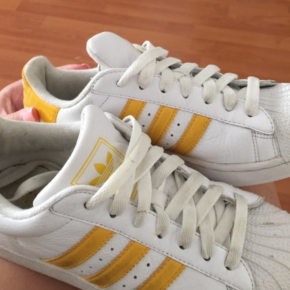 44 off adidas shoes white with yellow adidas superstar. Black Bedroom Furniture Sets. Home Design Ideas
