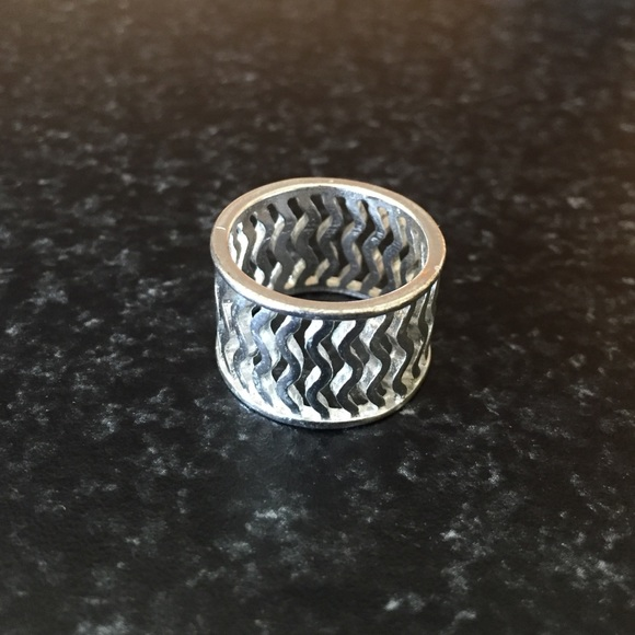 42 charming jewelry silver wave thumb ring