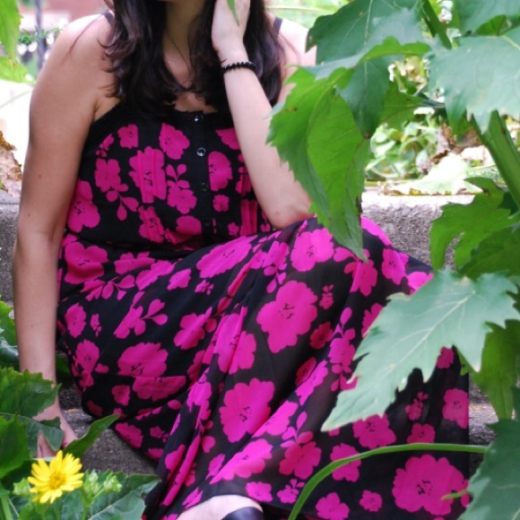 Kensie Dresses - Kensie hot pink floral maxi dress.