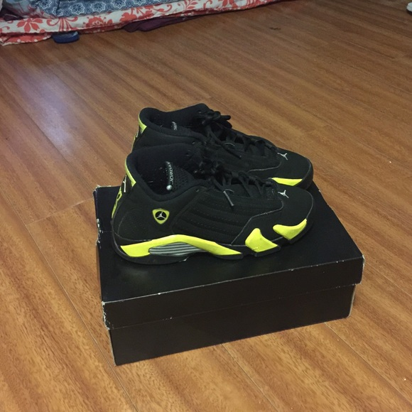 check out a7f3f cb2bf Black and yellow 14s size 5