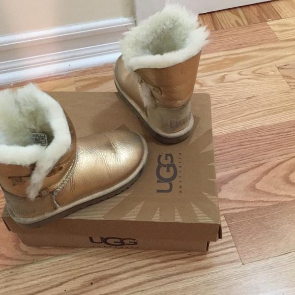06bd2741531 Metallic/ gold kids uggs boots