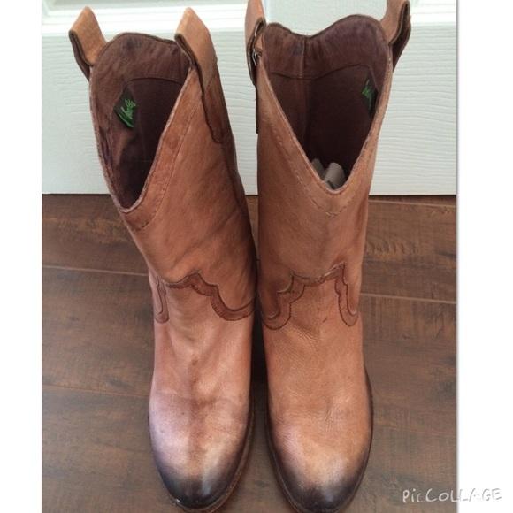 4b973a0c3 Sam Edelman Nile Short Cowboy Boots🎀Lowest🎀. M 55eb6a2d8f0fc4434100e325
