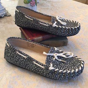 Lamo Shoes - Reduced 💗 NWOT Lamo moccasins