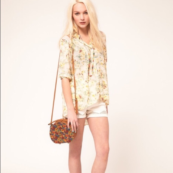 88 off urban outfitters tops minkpink true romance for Adidas floral shirt urban outfitters