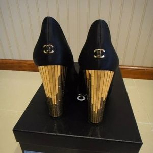 100% authentic Chanel beautiful limited heels
