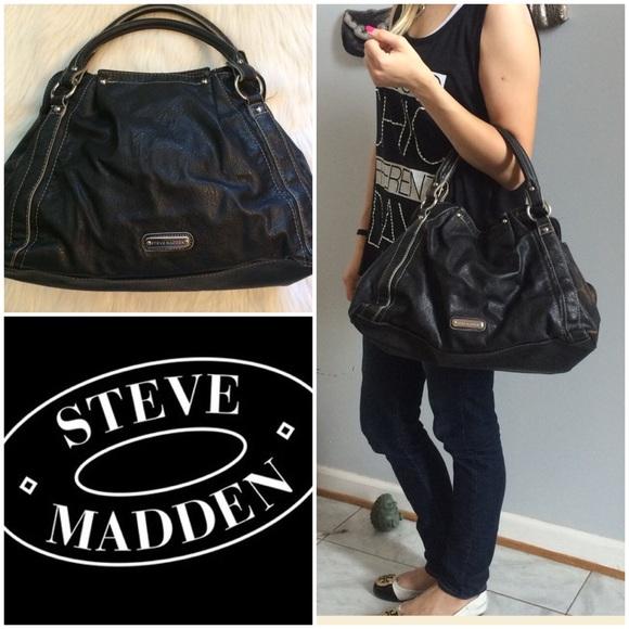 667603dcbb Steve Madden Black Zipper Hobo Bag. M 55eba851a7226522a300ff2b