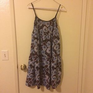 Dresses & Skirts - Blue and brown flower-patterned dress