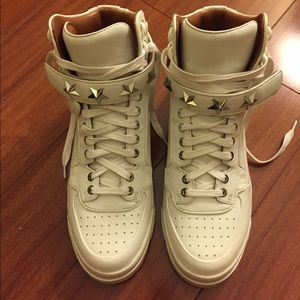 Givenchy white leather tyson sneakers w/ gold star