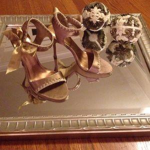 rsvp Shoes - 🎉HP 10/3/15🎉FABULOUS Satin & Bows Shoes🎀