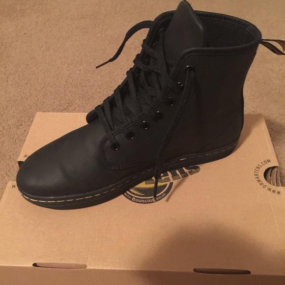 Women's Dr. Martens Black Boots (Shoreditch) 7 NIB