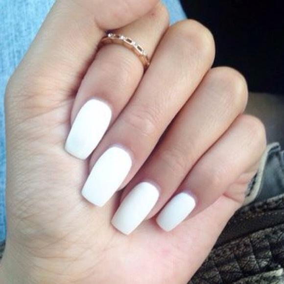 Brandy Melville Accessories | Matte White False Nails | Poshmark