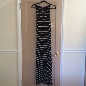 New with tags Kensie Maxi dress