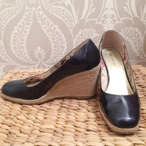 5cdf96ad462 Anne Klein Shoes - Anne Klein navy blue patent leather wedges 10M
