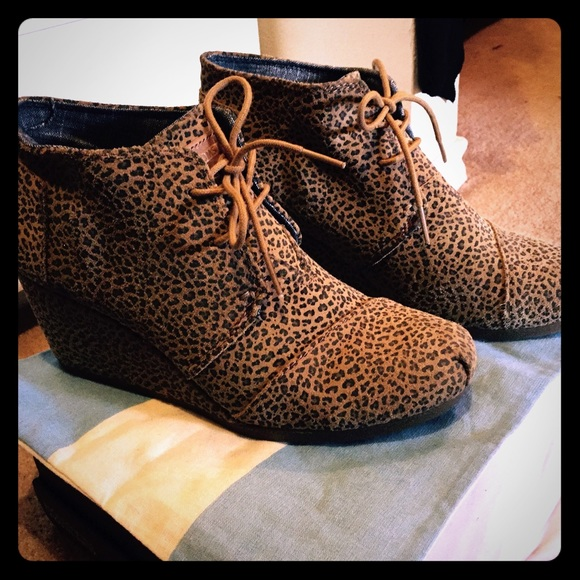 0596fe911ab TOMS Cheetah Suede Desert Wedge Booties