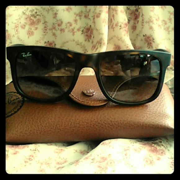 90b71a20645 Rayban Justin sunglasses in Matte Tortoise. M 55ec659a291a35476901250d