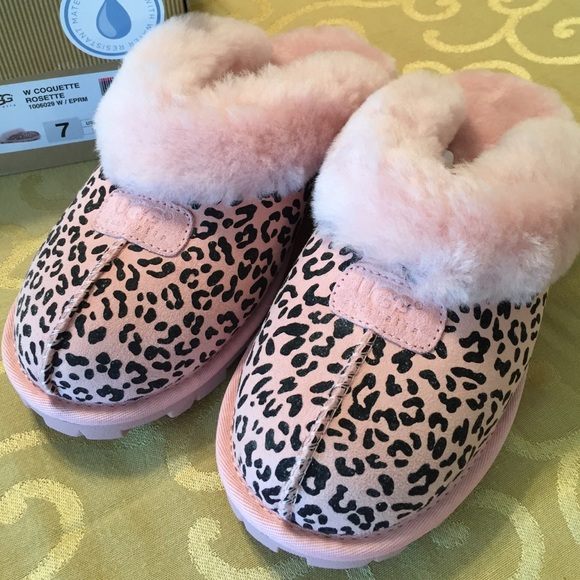 91a239006be 🆕UGGS Pink Leopard Coquette Rosette slipper. NWT NWT
