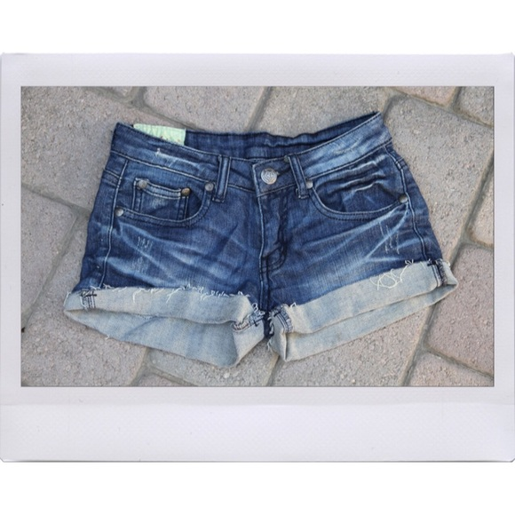 Lulu's Jeans - Denim Short Shorts