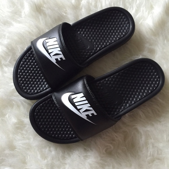 best sneakers 81e05 43803 BRAND NEW Nike slippers NWT