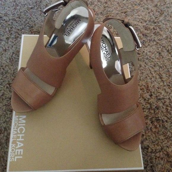 2b6af46e38a MICHAEL KORS Carla Leather Platform Sandal Heels