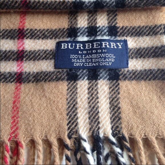 71 off burberry accessories burberry lambswool scarf price firm no trades from sandra 39 s. Black Bedroom Furniture Sets. Home Design Ideas