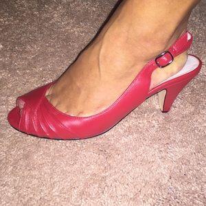 Steve Madden Red peep toe sling back kitten heels