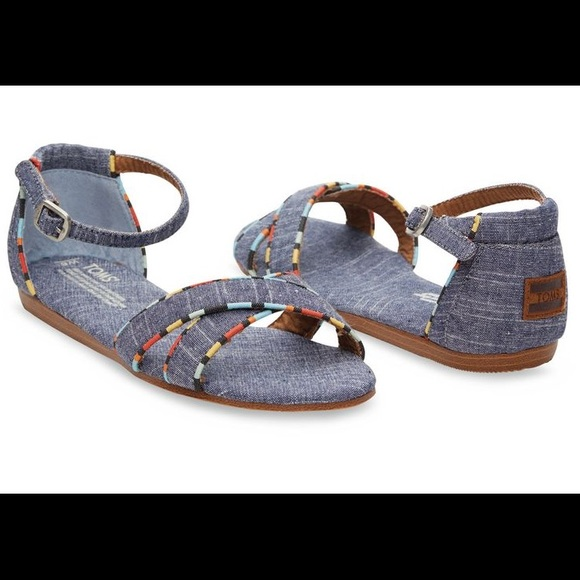 8864fa4d74c 🎉Flash Sale🎉 BNWT TOMS Correa Sandals